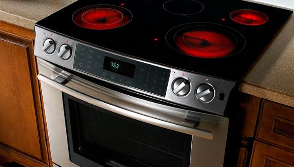 Електрична плита б'є струмом. Причини поломки