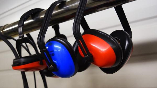 Як зробити звукоізоляція в квартирі самому? Поради.